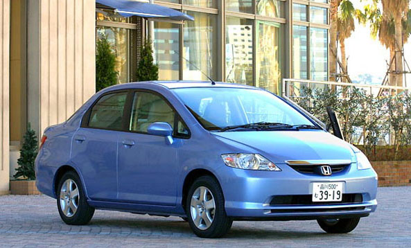 Honda_Fit_Aria1
